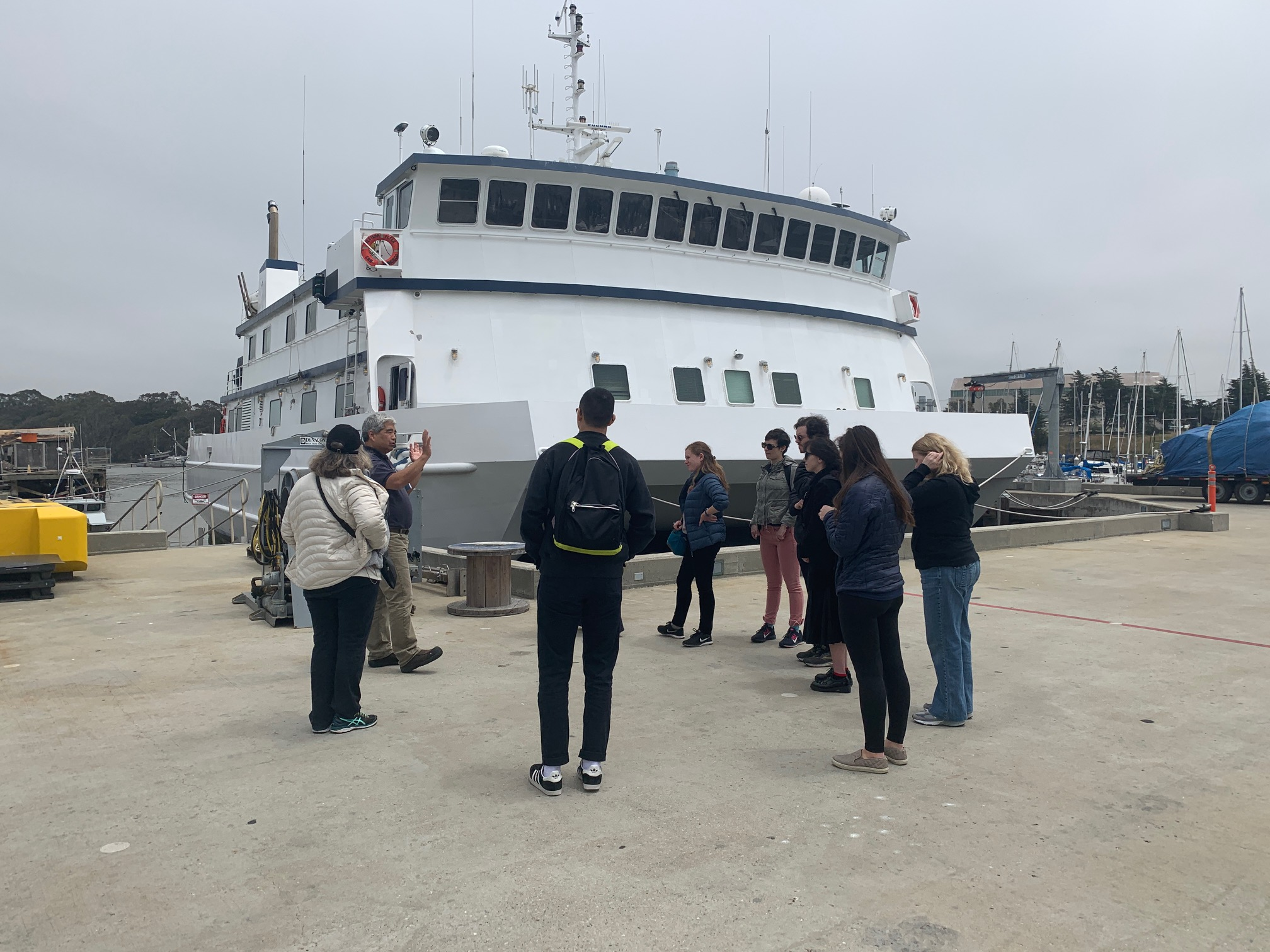 Aquarium of the Bay visits MBARI